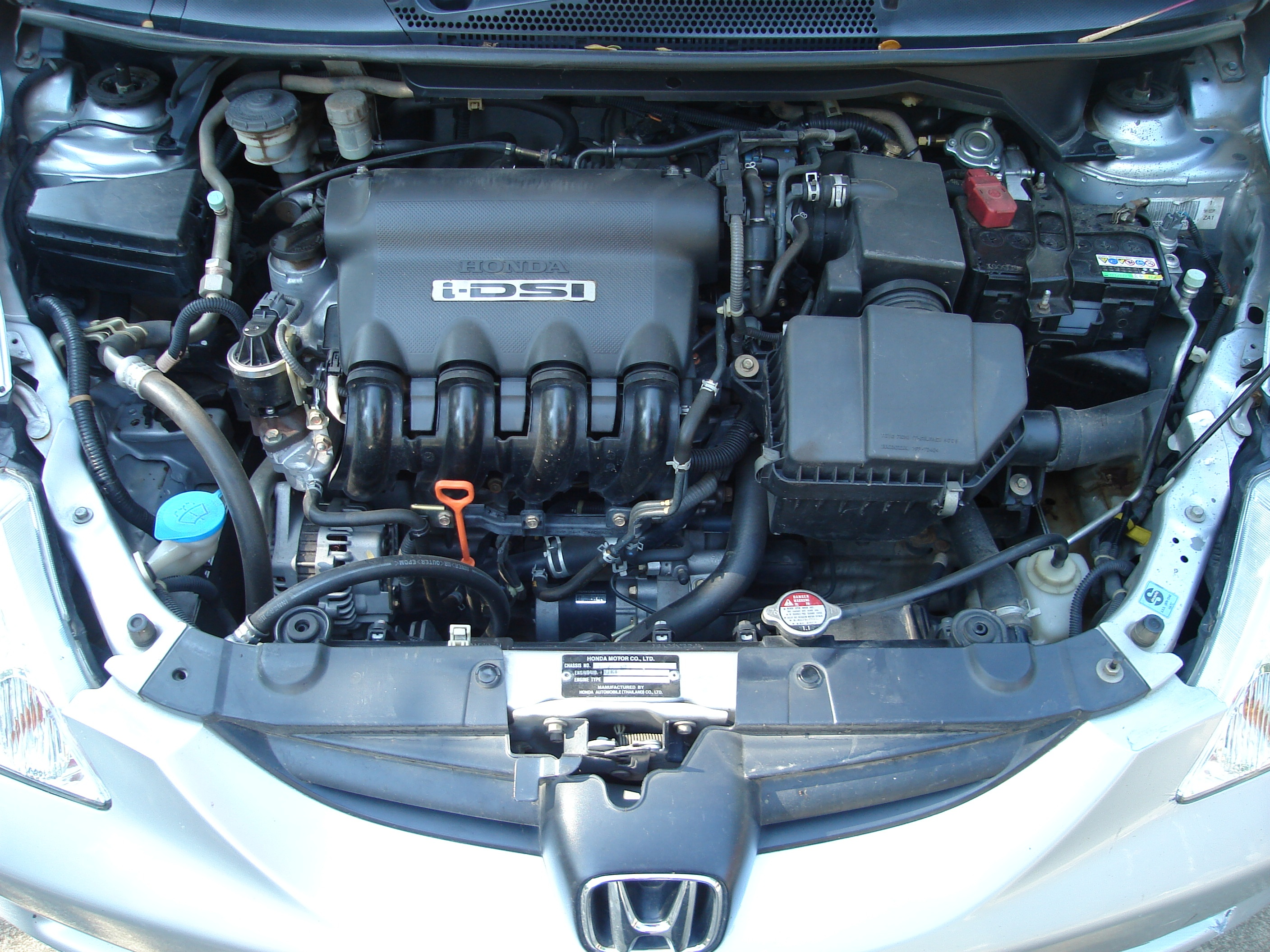... Honda City comes with a 1.5L i-DTEC engine, offering a power of 100 ps  and a mileage of 25.6 km/l, along with a 6 speed Manual Transmission.