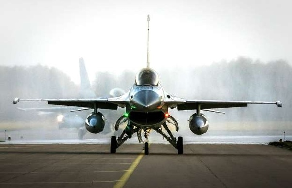 belgian air force mechanic f-16