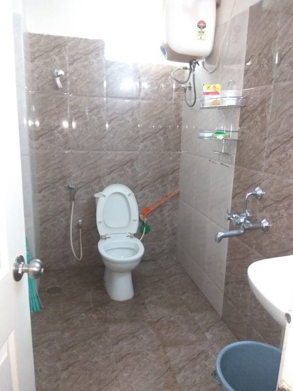 What Is A Recommended, Good Bathroom Cleaning Service In