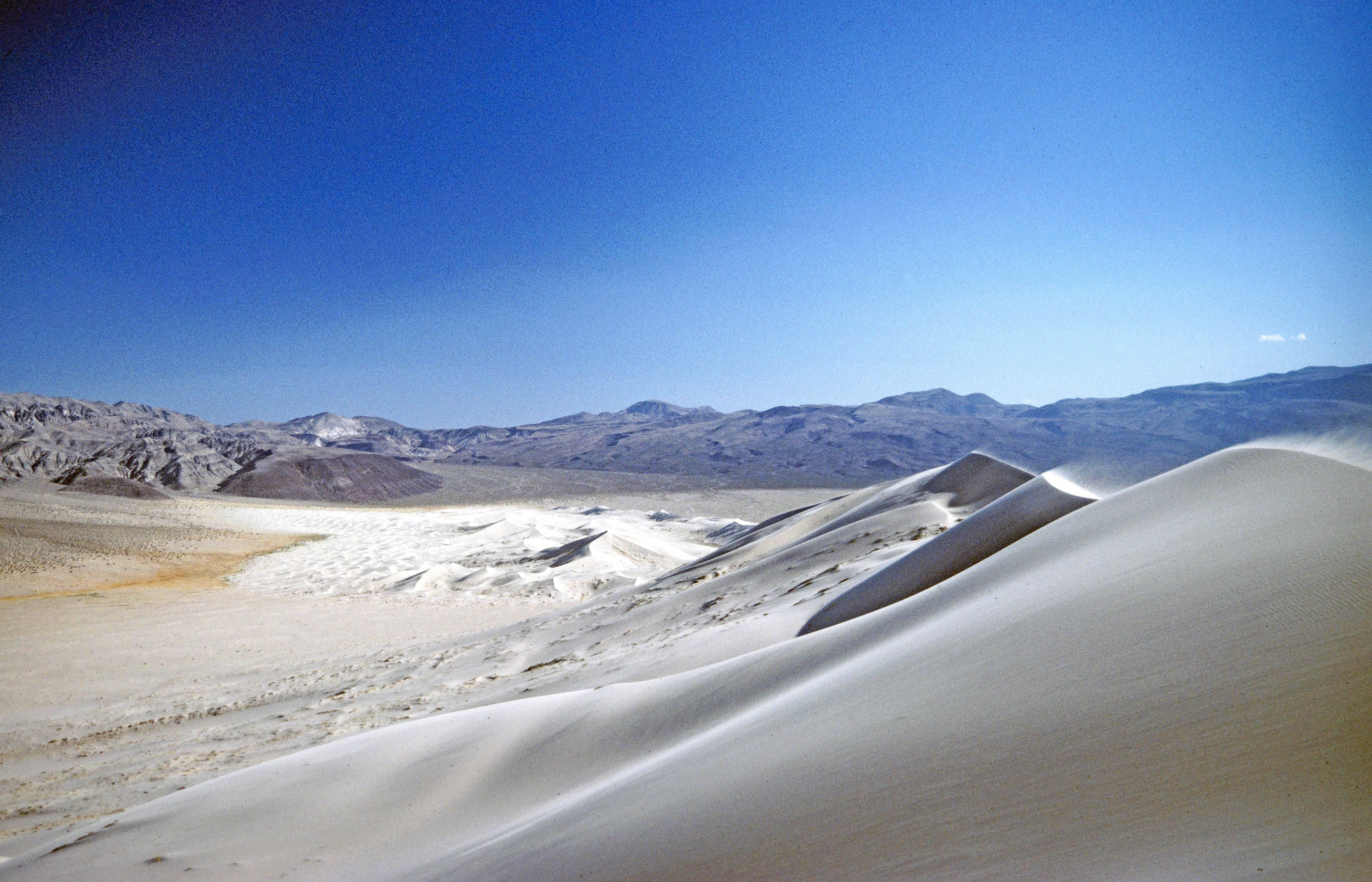 What is it like to walk in the desert? - Quora