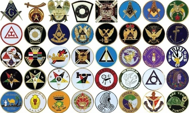 How do masons recognize each other and how do they interact with one interacting with members within the fraternity is pretty much exactly the same as interacting with people on the street the only difference is generally m4hsunfo