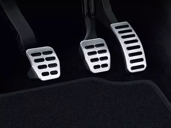 Brake Pedals The Middle Pedal Is The Brake This Pedal Is Used To Slow And Stop The Car It Operates On All Four Wheels