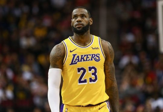 4e68af344433 When LeBron James signed with the Lakers in the 2018 - 2019 season
