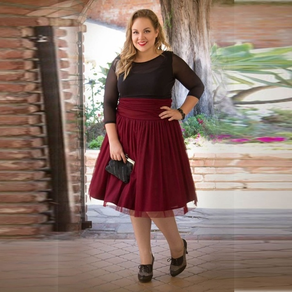 What Dress Would Look Good On A Short Curvy It S Needed For Graduation Quora