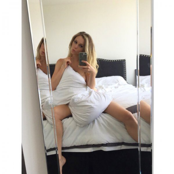 What are some stunning photos of Nicole Arbour? - Quora