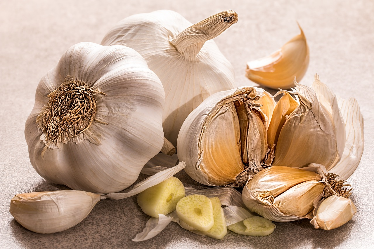 is garlic better for you if you eat it raw? - quora