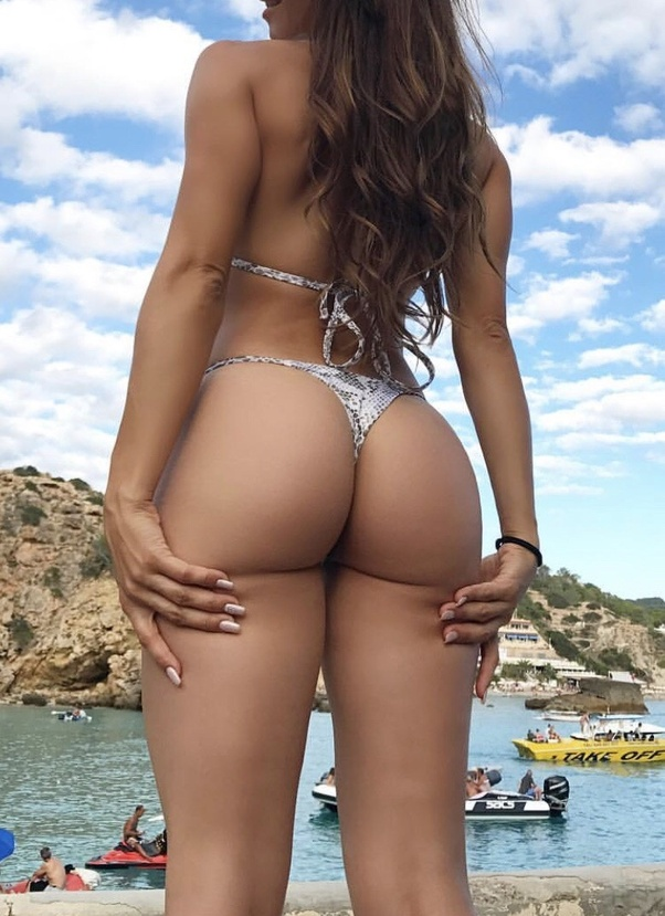 Girls ass in thong