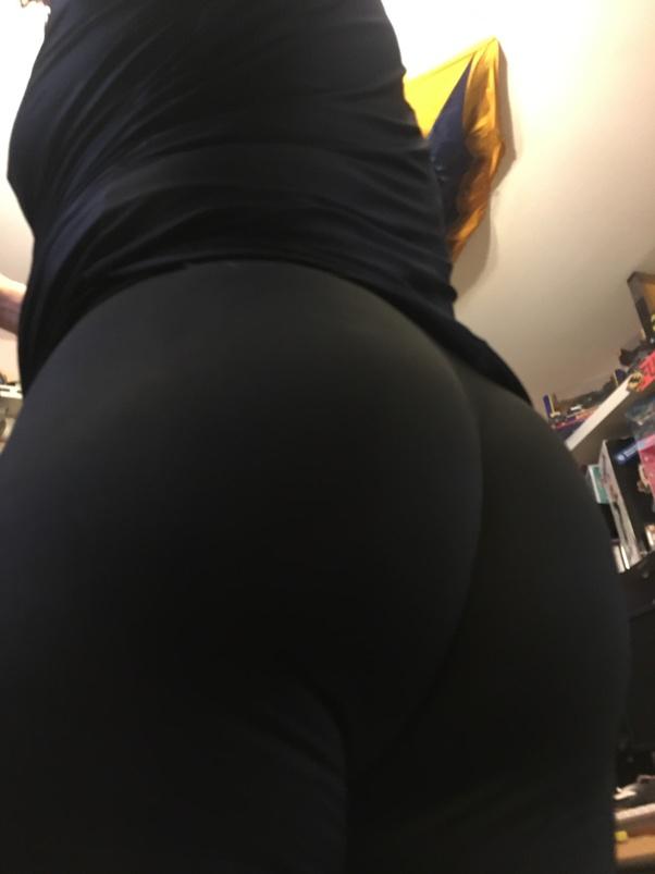 Teen ass in leggings