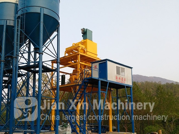 What is the difference between concrete batching plant and concrete