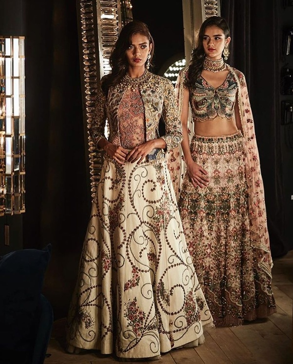 Which is the best dress for a wedding party? - Quora