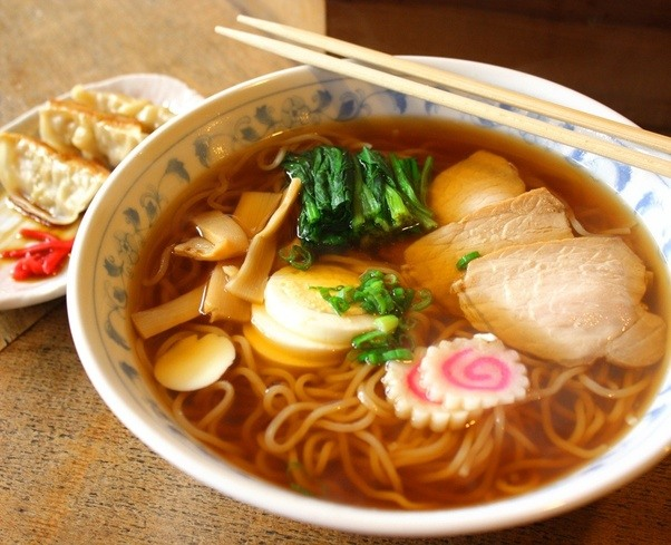 What are the pink and white things in ramen? - Quora