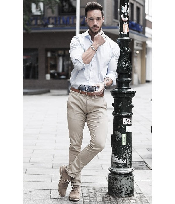 beige chinos outfit