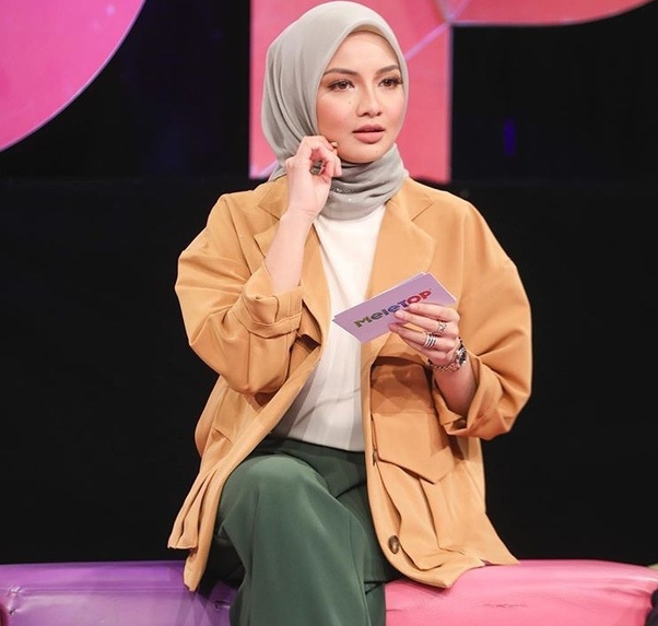 Can A Muslim Who S Wearing A Hijab Become A K Pop Idol Quora