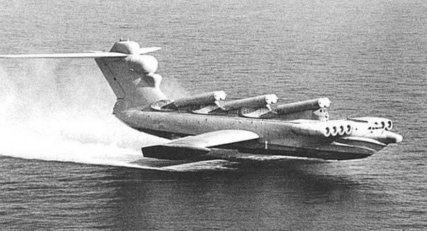 What are the parts of an aeroplane? Main-qimg-4ca2aa000022e512f198e60748b7ad74-c