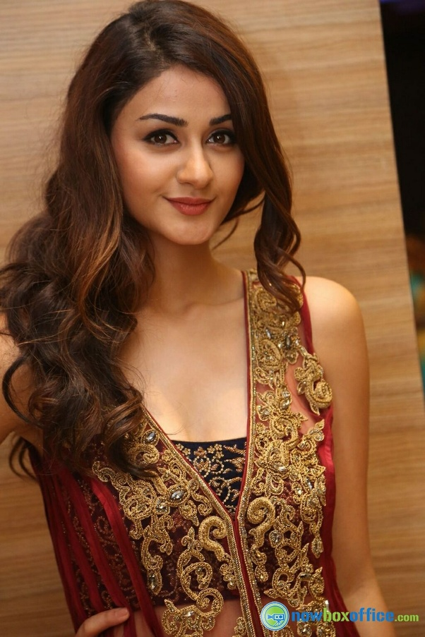 Aditi arya is a new and cute Indian actress ever I seen check her cute photos I hope you like it: