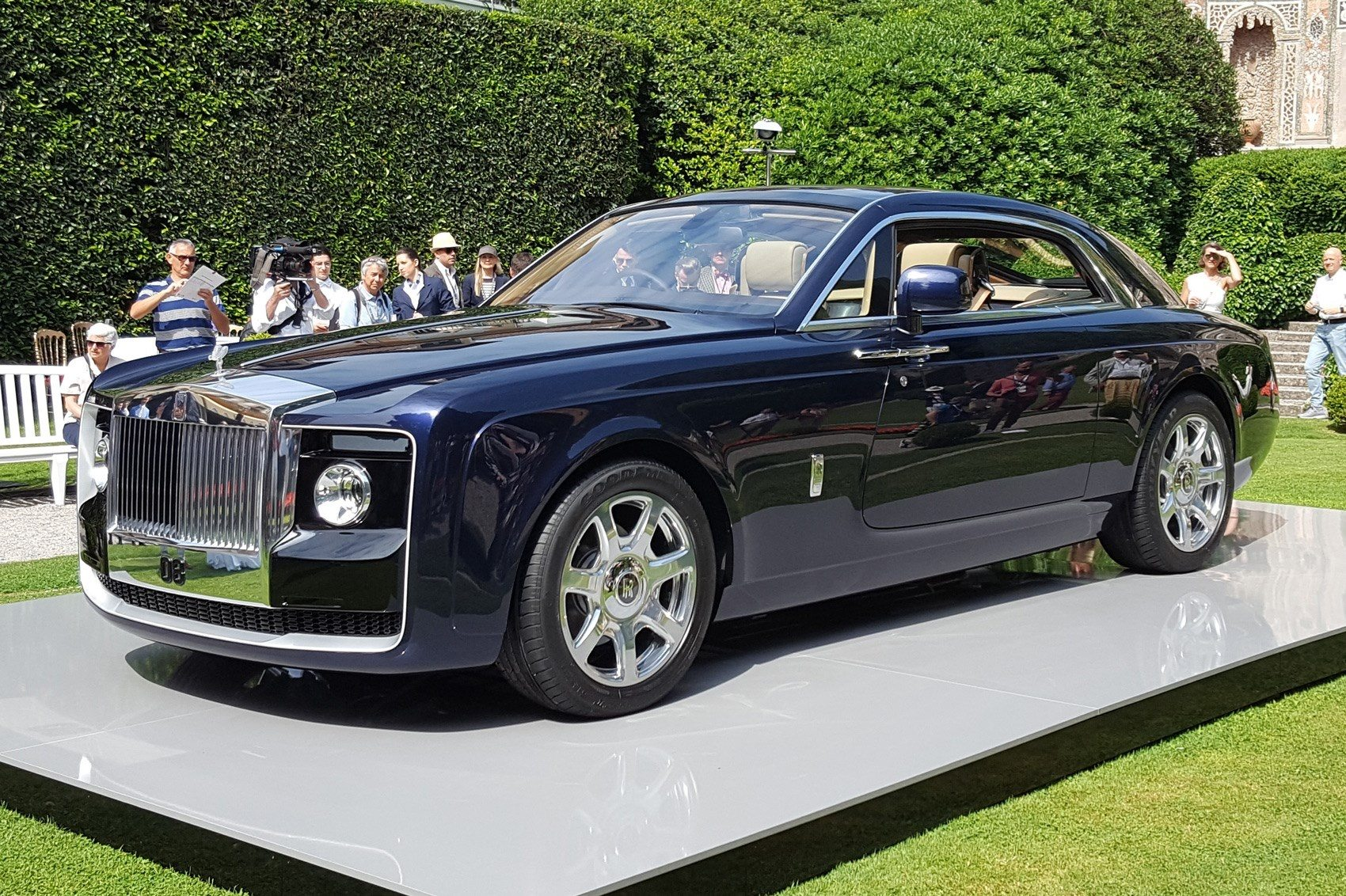 Why is it that Rolls Royce cars are expensive  - Quora f4e2d97b7