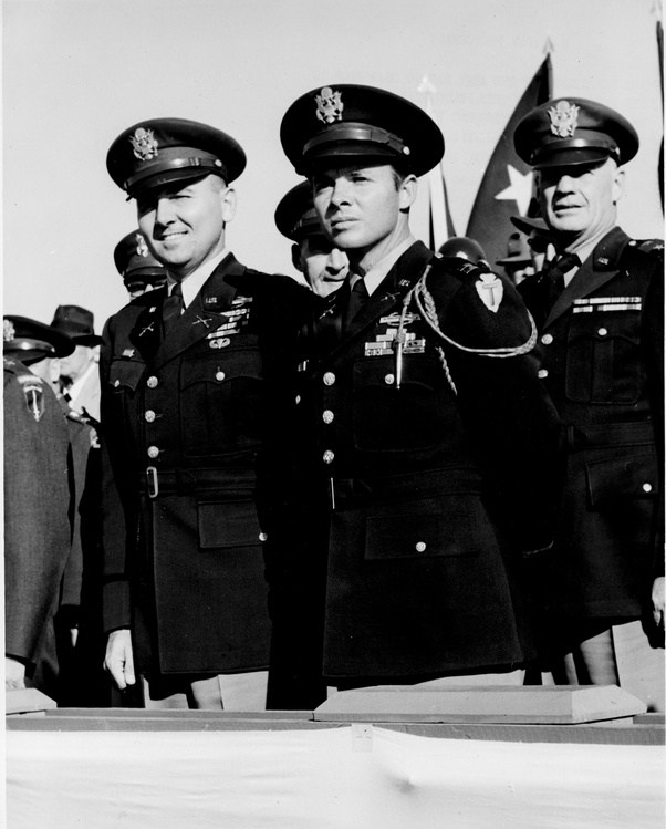 ernst junger and audie murphy heroes of war essay Til audie murphy, when asked after the war why he had seized the machine gun of a burning they were killing my friends i like reading about heroes like.
