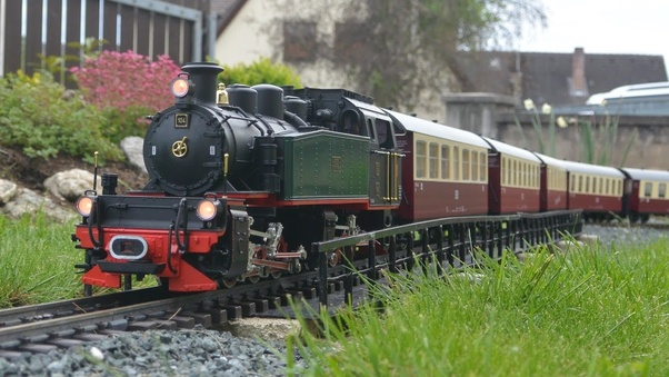 What is the best scale for narrow-gauge model railroading