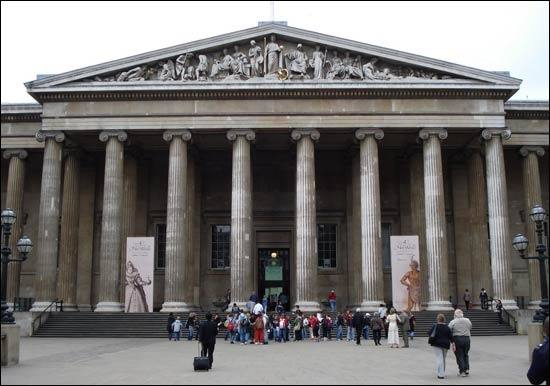What are the main stylistic differences between Palladian ... Modern Palladian Architecture