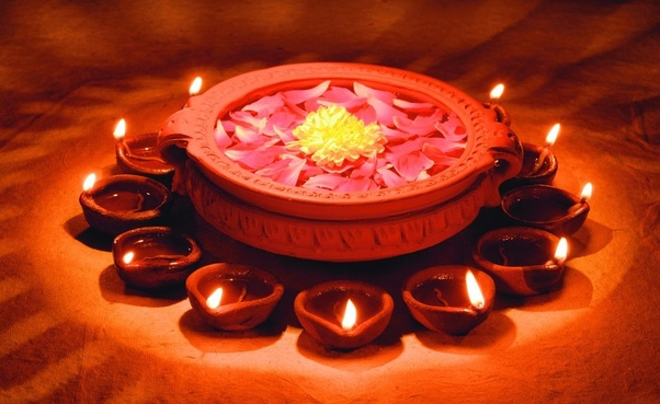 They signify the essence of the celebration. Simple or elaborate, clay lamps add to the beauty of the house on the night of Diwali.
