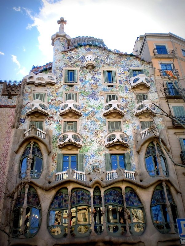 Who Lives Works Inside The Middle Floors Of Casa Batlló Quora