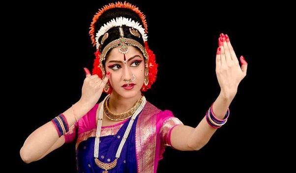 What are the similarities between six classical dance forms of India