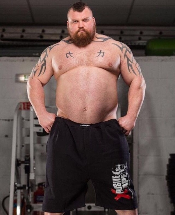 Why do the 'world's strongest men' have so much fat on ...