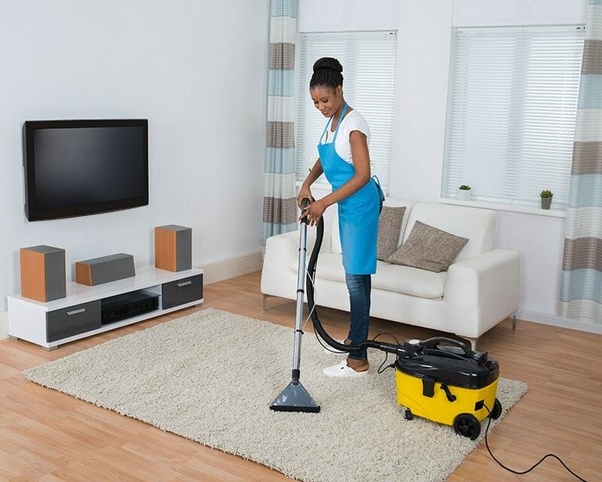 What are the benefits of hiring professional house cleaning