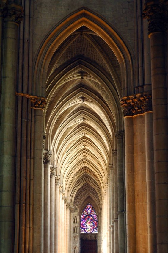It Was Further Enhanced By Other Vertical Architectural Features And The Decoration Of Building Gothic Pointed Arches