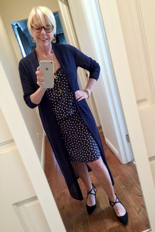 Source Styling A Navy Polka Dot Dress On Une Femme