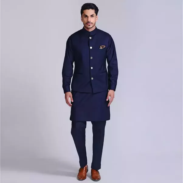What should a male guest wear at an Indian wedding? - Quora