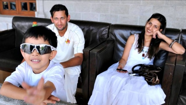 Who is the Muslim cricketer who left his country to marry a