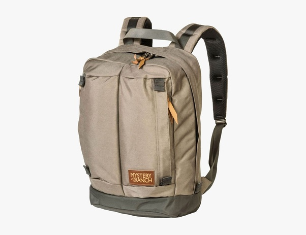 The 21L Stadt bag is cut from incredibly durable 1000D Cordura with a 1680D  reinforced bottom. It features heavy-duty YKK zippers 03f79c9c1b67a