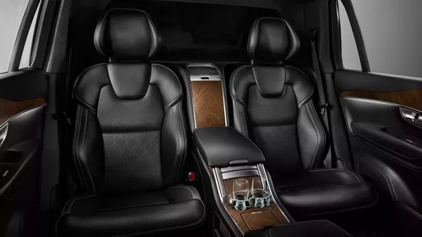 Does the XC90 have captain's chairs? - Quora