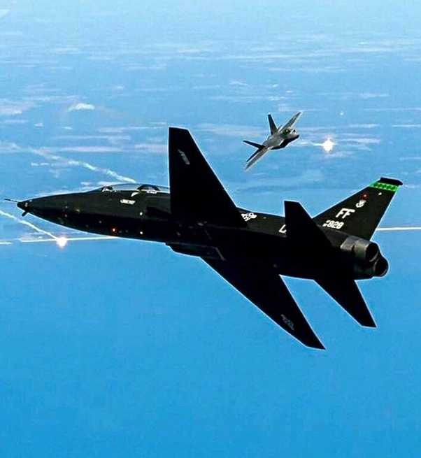 Is there a plane that rivaled the f-22 in dogfight? - Quora