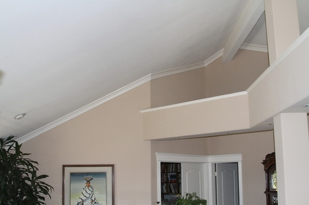Does Crown Molding Look Good In A Home