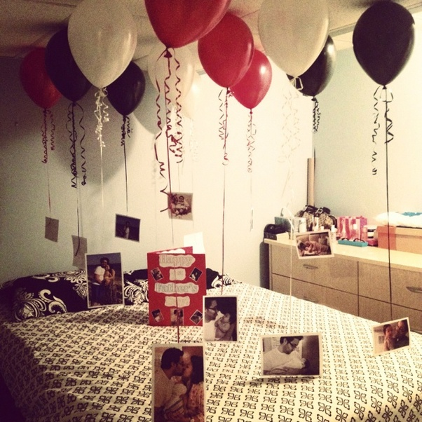 Hang Photos Or Small Notes To Helium Balloons And Create A Perfect Surprise Birthday Party Decoration