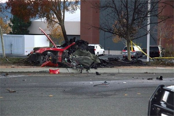What car did paul walker die