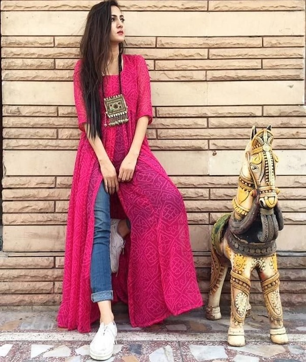 What is the latest fashion in kurtis design in India? - Quora