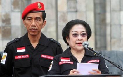 Menurutmu, apakah gambar Presiden Jokowi dengan gambar ...