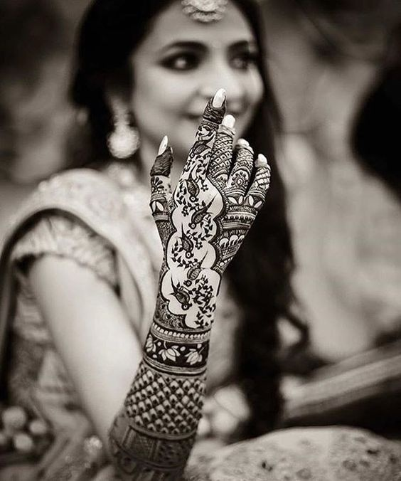 aaee22524 Also, as per various legends, it is said that, darker the color of  bride/groom's mehandi, more will be the love between them. These days, many  couples ...
