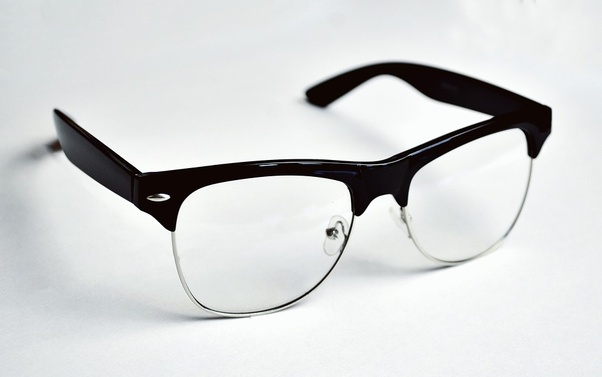 d4bcec9429 Rimless glasses do not create a hindrance on your face  the best feature of rimless  glasses is that your facial features are clearly exposed.