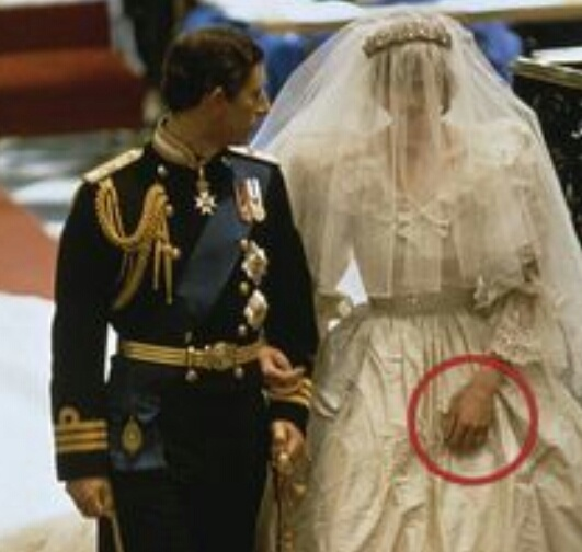 Is Princess Diana S Wedding Dress Designed By David And Elizabeth