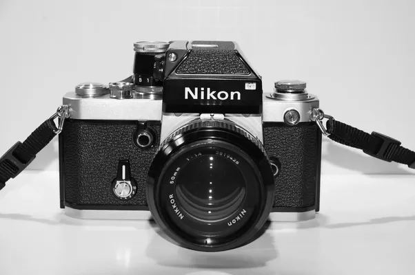What is preventing \'full-frame\' DSLR cameras from being as small as ...