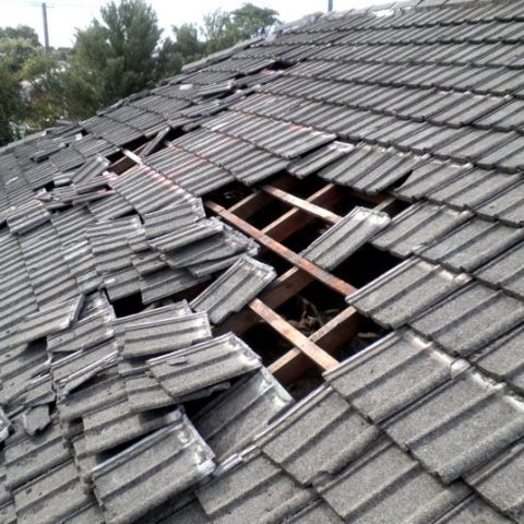 Does home insurance usually cover roof leaks and gutter ...