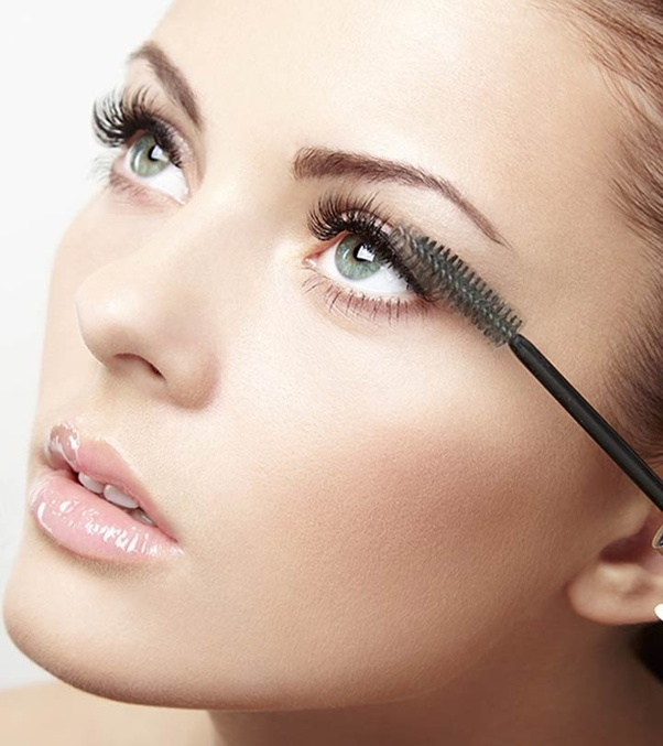 How does castor oil help eyelashes grow? - Quora