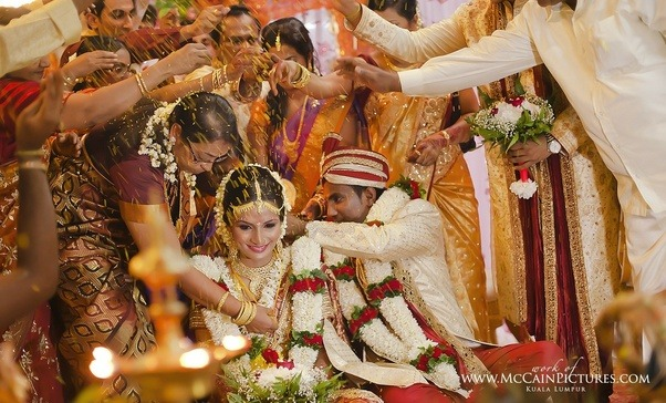 Tanishq Maharashtrian Bride Wedding Jewellery Collection(4 ...  |Hindu Marathi Wedding