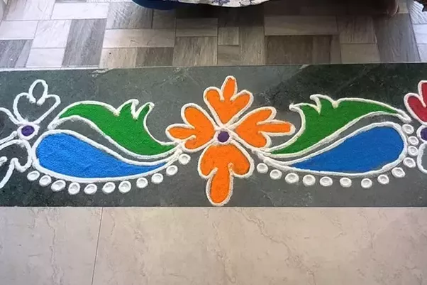 If you do not have much time to spend detailed Rangoli patterns you can try border Rangoli designs for Diwali. These designs look splendid near doors and ... & What Rangoli designs did you create on this Diwali? - Quora