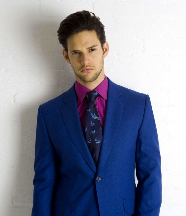What color shirt and tie should I wear on a navy blue suit? - Quora
