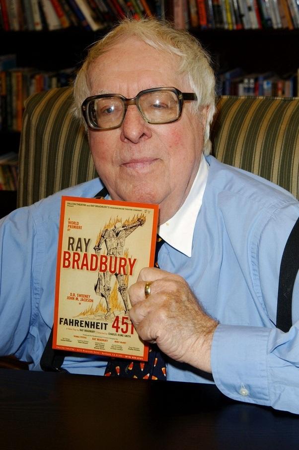 """""""Fahrenheit 451"""" by Ray Bradbury Essay Sample"""